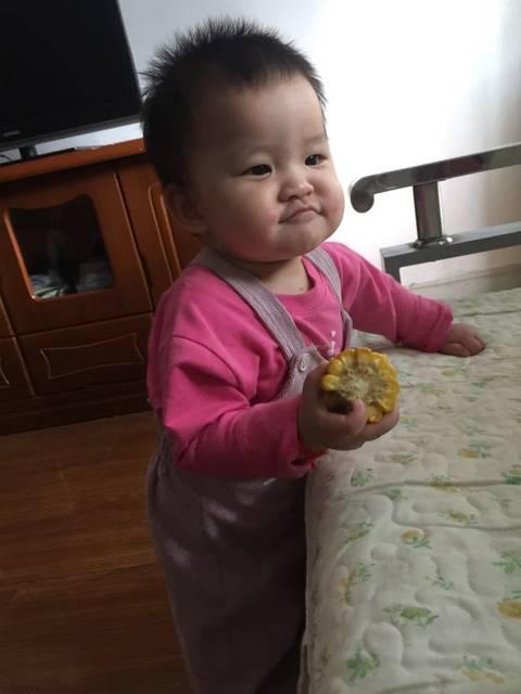 十一个月的宝宝,感恩了表情。变成四心劈表情包连图片