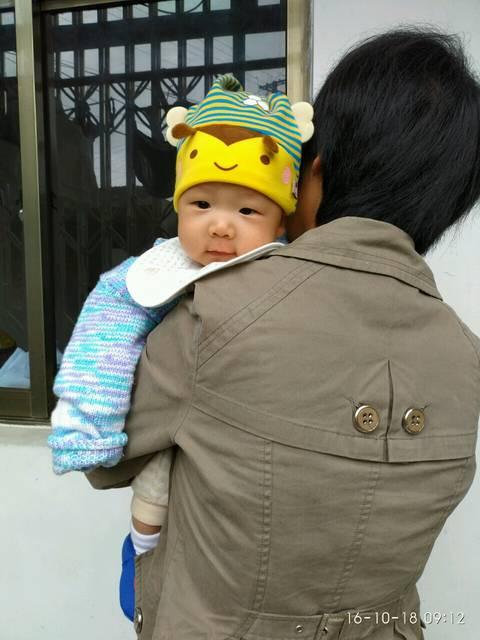 宝宝长牙的症状是怎么样的?_宝宝快三个月了