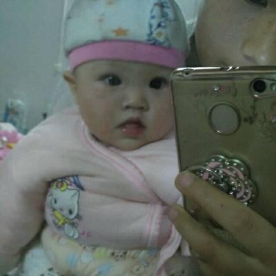 八个月的婴儿,刚喝过一瓶奶粉后过半个小时能