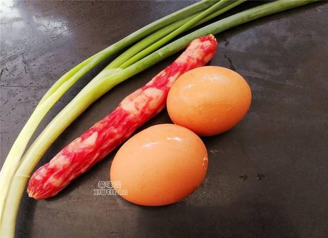 #方太v花样家花样#食谱早餐不要放过它,面条蛋用莴莒做孩子